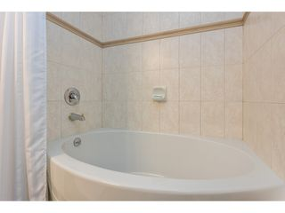 """Photo 30: 102 1685 152A Street in Surrey: King George Corridor Condo for sale in """"Suncliff Place"""" (South Surrey White Rock)  : MLS®# R2483408"""