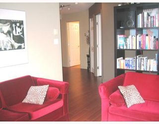 Photo 3: 507 680 CLARKSON Street in New_Westminster: Downtown NW Condo for sale (New Westminster)  : MLS®# V669713