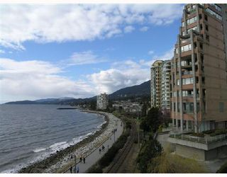 "Main Photo: 404 2246 BELLEVUE Avenue in West_Vancouver: Dundarave Condo for sale in ""THE DOLPHIN"" (West Vancouver)  : MLS®# V694917"