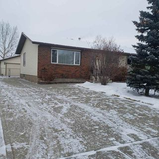 Photo 2: 4214 37 Avenue: Leduc House for sale : MLS®# E4180831