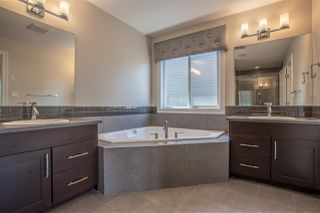 Photo 17: 2303 SPARROW Crescent in Edmonton: Zone 59 House for sale : MLS®# E4182870