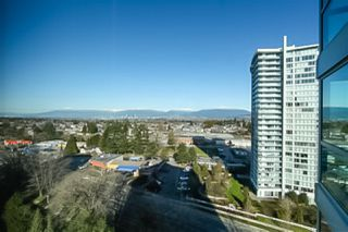 """Photo 19: 1706 6659 SOUTHOAKS Crescent in Burnaby: Highgate Condo for sale in """"GEMINI II"""" (Burnaby South)  : MLS®# R2438167"""