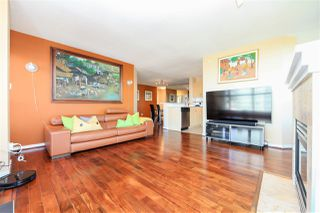 """Photo 3: 1706 6659 SOUTHOAKS Crescent in Burnaby: Highgate Condo for sale in """"GEMINI II"""" (Burnaby South)  : MLS®# R2438167"""