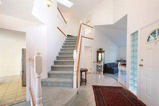 Photo 2: 18 Parkwood Place in Port Moody: Heritage Mountain House for sale : MLS®# R2433340
