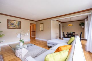 """Photo 4: 822 WESTVIEW Crescent in North Vancouver: Upper Lonsdale Condo for sale in """"CYPRESS GARDENS"""" : MLS®# R2474206"""