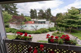 """Photo 18: 822 WESTVIEW Crescent in North Vancouver: Upper Lonsdale Condo for sale in """"CYPRESS GARDENS"""" : MLS®# R2474206"""