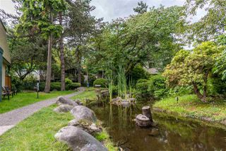 """Photo 33: 822 WESTVIEW Crescent in North Vancouver: Upper Lonsdale Condo for sale in """"CYPRESS GARDENS"""" : MLS®# R2474206"""