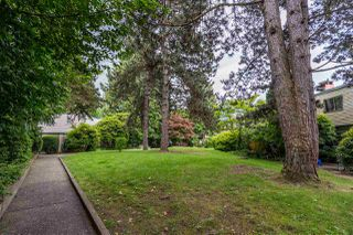 """Photo 34: 822 WESTVIEW Crescent in North Vancouver: Upper Lonsdale Condo for sale in """"CYPRESS GARDENS"""" : MLS®# R2474206"""