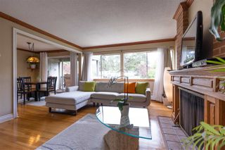 """Photo 3: 822 WESTVIEW Crescent in North Vancouver: Upper Lonsdale Condo for sale in """"CYPRESS GARDENS"""" : MLS®# R2474206"""