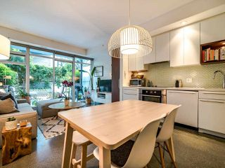 "Photo 17: 222 256 E 2ND Avenue in Vancouver: Mount Pleasant VE Condo for sale in ""Jacobsen"" (Vancouver East)  : MLS®# R2495462"