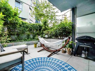 "Photo 9: 222 256 E 2ND Avenue in Vancouver: Mount Pleasant VE Condo for sale in ""Jacobsen"" (Vancouver East)  : MLS®# R2495462"