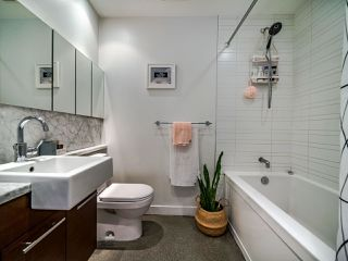 "Photo 33: 222 256 E 2ND Avenue in Vancouver: Mount Pleasant VE Condo for sale in ""Jacobsen"" (Vancouver East)  : MLS®# R2495462"