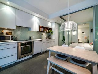 "Photo 19: 222 256 E 2ND Avenue in Vancouver: Mount Pleasant VE Condo for sale in ""Jacobsen"" (Vancouver East)  : MLS®# R2495462"
