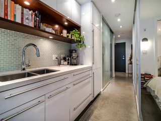 "Photo 24: 222 256 E 2ND Avenue in Vancouver: Mount Pleasant VE Condo for sale in ""Jacobsen"" (Vancouver East)  : MLS®# R2495462"