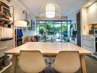"Photo 16: 222 256 E 2ND Avenue in Vancouver: Mount Pleasant VE Condo for sale in ""Jacobsen"" (Vancouver East)  : MLS®# R2495462"