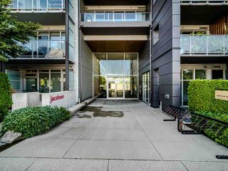 "Photo 3: 222 256 E 2ND Avenue in Vancouver: Mount Pleasant VE Condo for sale in ""Jacobsen"" (Vancouver East)  : MLS®# R2495462"