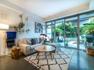 "Photo 4: 222 256 E 2ND Avenue in Vancouver: Mount Pleasant VE Condo for sale in ""Jacobsen"" (Vancouver East)  : MLS®# R2495462"