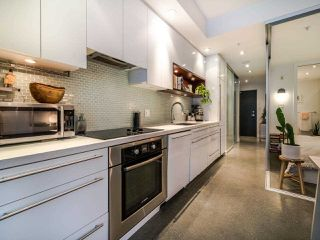 "Photo 23: 222 256 E 2ND Avenue in Vancouver: Mount Pleasant VE Condo for sale in ""Jacobsen"" (Vancouver East)  : MLS®# R2495462"