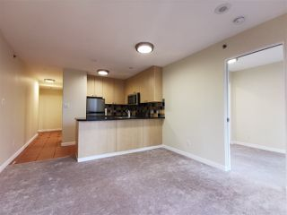 Photo 3: 905 819 HAMILTON Street in Vancouver: Downtown VW Condo for sale (Vancouver West)  : MLS®# R2509876