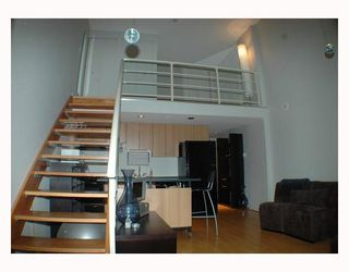 """Photo 3: 713 933 SEYMOUR Street in Vancouver: Downtown VW Condo for sale in """"THE SPOT"""" (Vancouver West)  : MLS®# V794826"""