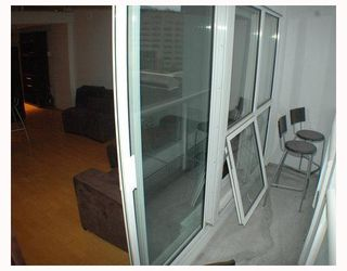 """Photo 10: 713 933 SEYMOUR Street in Vancouver: Downtown VW Condo for sale in """"THE SPOT"""" (Vancouver West)  : MLS®# V794826"""