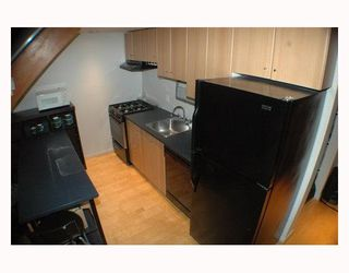"""Photo 5: 713 933 SEYMOUR Street in Vancouver: Downtown VW Condo for sale in """"THE SPOT"""" (Vancouver West)  : MLS®# V794826"""