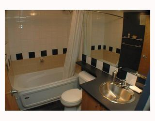 """Photo 9: 713 933 SEYMOUR Street in Vancouver: Downtown VW Condo for sale in """"THE SPOT"""" (Vancouver West)  : MLS®# V794826"""