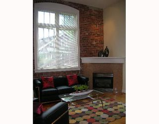 "Photo 1: 107 1811 W 16TH Avenue in Vancouver: Kitsilano Condo for sale in ""CEDAR MEWS"" (Vancouver West)  : MLS®# V650638"