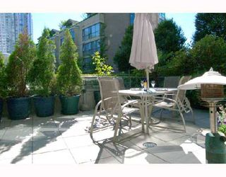 """Photo 8: 305 1008 CAMBIE Street in Vancouver: Downtown VW Condo for sale in """"WATERWORKS"""" (Vancouver West)  : MLS®# V660144"""