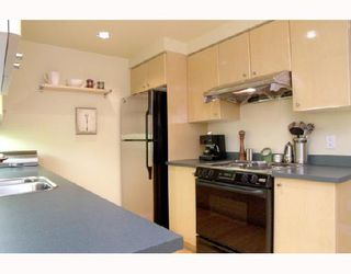 """Photo 5: 305 1008 CAMBIE Street in Vancouver: Downtown VW Condo for sale in """"WATERWORKS"""" (Vancouver West)  : MLS®# V660144"""