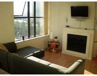 "Photo 3: 989 BEATTY Street in Vancouver: Downtown VW Condo for sale in ""THE NOVA"" (Vancouver West)  : MLS®# V629148"