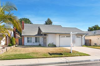 Photo 1: MIRA MESA House for sale : 4 bedrooms : 10155 SPRING MANOR CT in San Diego