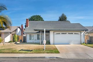 Photo 2: MIRA MESA House for sale : 4 bedrooms : 10155 SPRING MANOR CT in San Diego