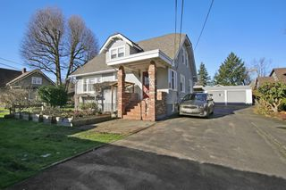 Photo 1: 46135 RIVERSIDE Drive in Chilliwack: Chilliwack N Yale-Well House for sale : MLS®# R2437294