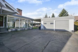 Photo 20: 46135 RIVERSIDE Drive in Chilliwack: Chilliwack N Yale-Well House for sale : MLS®# R2437294