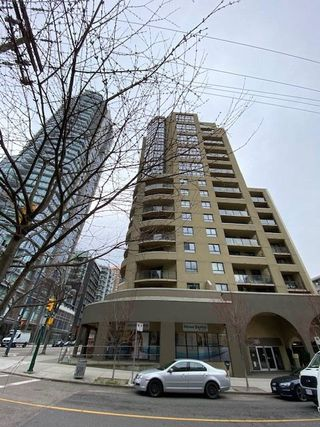 "Main Photo: 704 789 DRAKE Street in Vancouver: Downtown VW Condo for sale in ""Quay Pacific"" (Vancouver West)  : MLS®# R2444640"