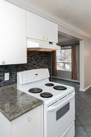 Photo 16: 1560 Mill Woods Road E in Edmonton: Zone 29 Townhouse for sale : MLS®# E4192657