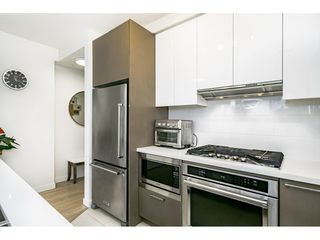 """Photo 10: 2601 3080 LINCOLN Avenue in Coquitlam: North Coquitlam Condo for sale in """"1123 WESTWOOD"""" : MLS®# R2463798"""