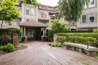 Photo 2: 102 1300 HUNTER Road in Delta: Beach Grove Condo for sale (Tsawwassen)  : MLS®# R2470109
