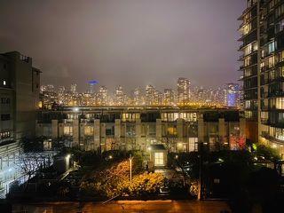 """Photo 22: 512 1887 CROWE Street in Vancouver: False Creek Condo for sale in """"Pinnacle Living False Creek"""" (Vancouver West)  : MLS®# R2526826"""