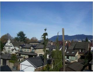Photo 10: 1819 CREELMAN AV in Vancouver: Condo for sale : MLS®# V815473