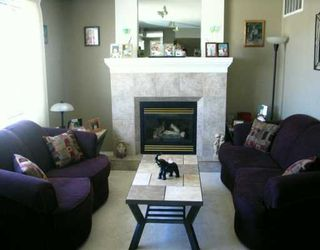 Photo 2: 38 PAISLEY Place in Winnipeg: St James Single Family Detached for sale (West Winnipeg)  : MLS®# 2604778