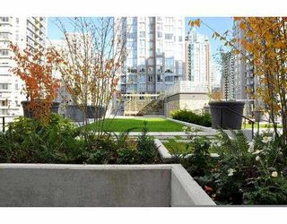 """Photo 2: # 906 1088 RICHARDS ST in Vancouver: Yaletown Condo for sale in """"RICHARDS"""" (Vancouver West)  : MLS®# V917039"""