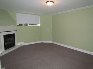Photo 3: 2145 BROADWAY ST in ABBOTSFORD: House for rent (Abbotsford)