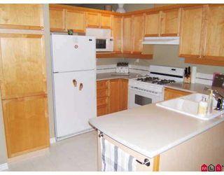 Photo 2: 14 14877 58th Avenue in Surrey: Condo for sale : MLS®# F2722914