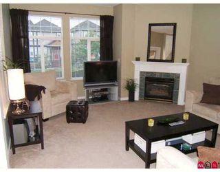 Photo 3: 14 14877 58th Avenue in Surrey: Condo for sale : MLS®# F2722914