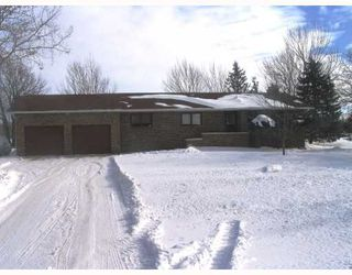 Photo 1: 1505 CHARLESWOOD Road in WINNIPEG: Charleswood Residential for sale (South Winnipeg)  : MLS®# 2802039