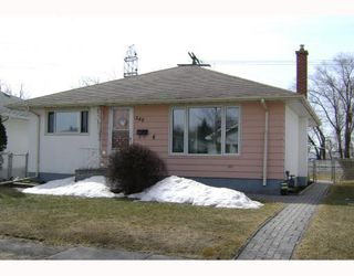 Photo 1: 540 SYDNEY Avenue in WINNIPEG: East Kildonan Residential for sale (North East Winnipeg)  : MLS®# 2805398