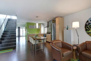 Photo 5: 9824 87 Avenue in Edmonton: Zone 15 House for sale : MLS®# E4166401