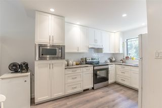 Photo 2: 106 511 GATENSBURY Street in Coquitlam: Central Coquitlam Townhouse for sale : MLS®# R2391118